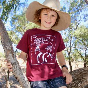outback kid tshirt maroon in tree