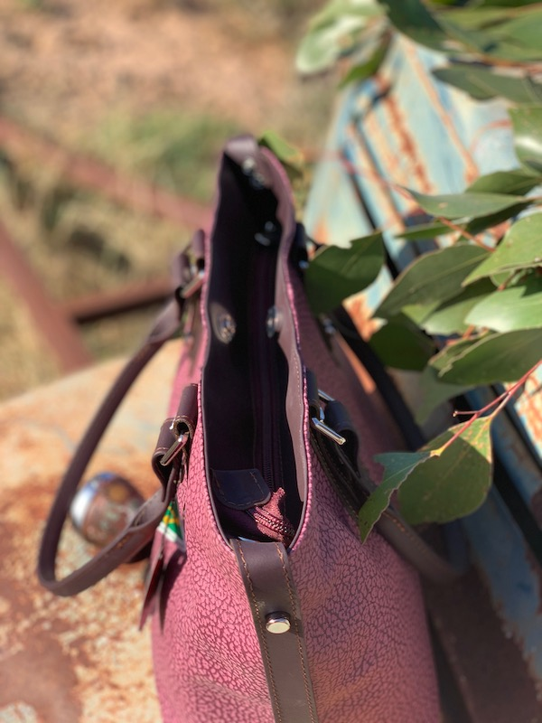 "Textured Wine ""Alice"" handbag in Kangaroo leather"